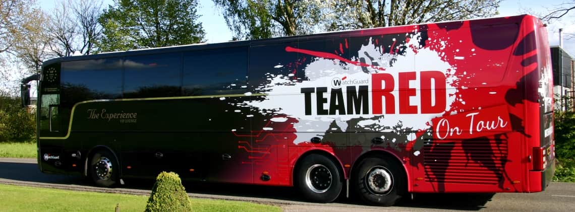 bus reclame branding team red